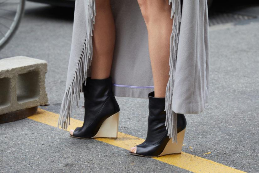 9b2dff94 Buty na koturnie do czego je nosić aby być trendy? - Balando
