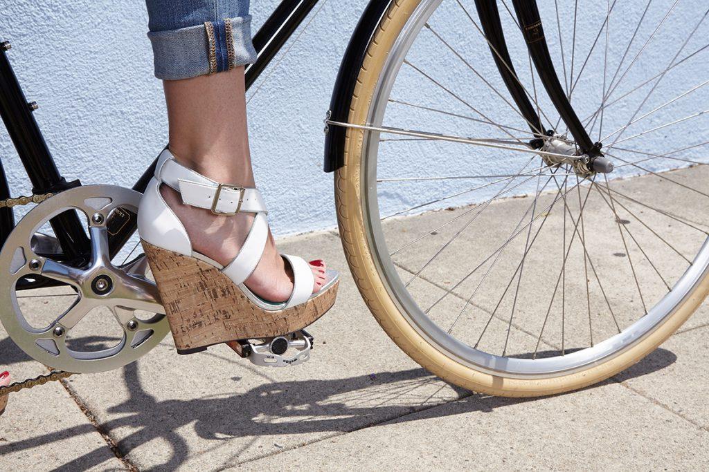 buty letnie na koturnie